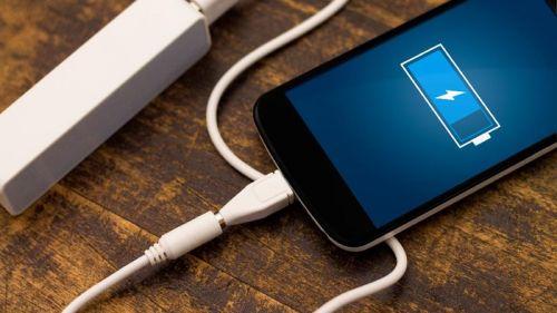 3 Alasan untuk Tidak Melakukan Overcharge Ponsel Anda Saat Menggunakan Powerbank